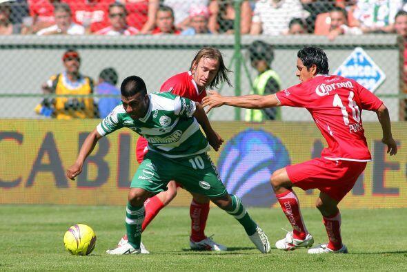 Mientras que Monterrey en el Apertura 2010, Santos en el Clausura 2008 y...