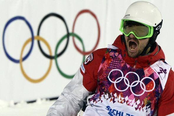 Philippe Marquis, de Canadá, celebra su primera carrera en las finales d...