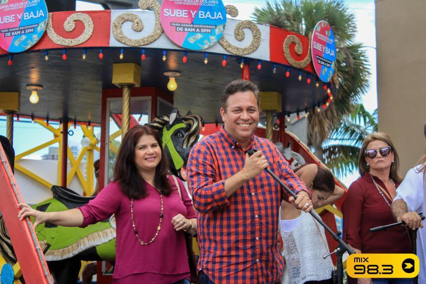 La lluvia no pudo parar la diversion en La Gran Parada de Los Reyes Mago...