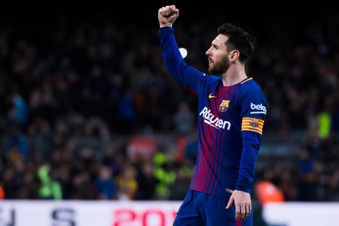 En fotos: Barcelona de récord con triplete de Messi gettyimages-94309810...