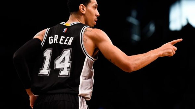 Gracias a la ayuda de Danny Green, los San Antonio Spurs rompieron su ra...