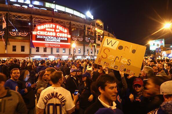 Así se vivió el triunfo de los Cubs fuera del estadio Wrigley Field