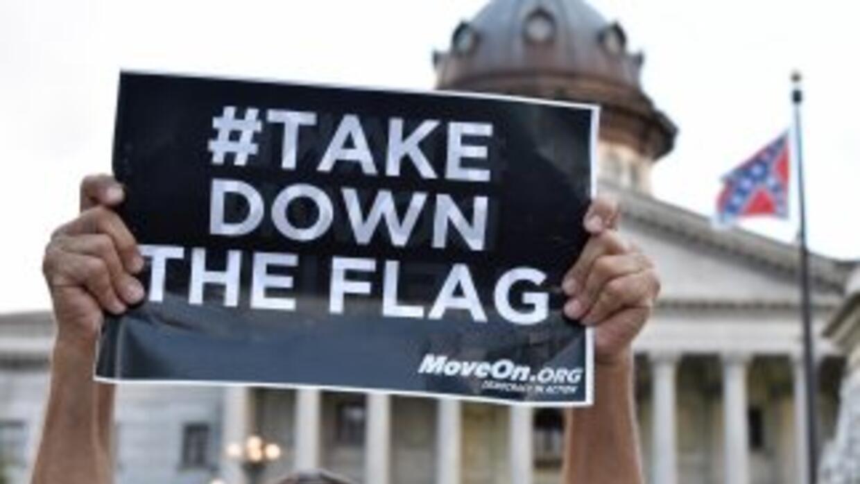 Protesta contra la bandera confederada en el Capitolio de Carolina del Sur