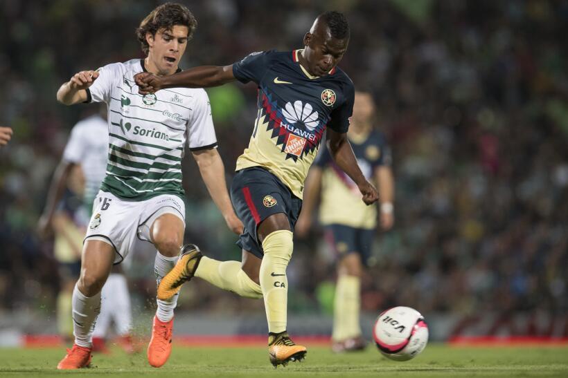 Con dedicatoria para Cruz Azul, América vence 1-0 a Santos 20171119-4442...