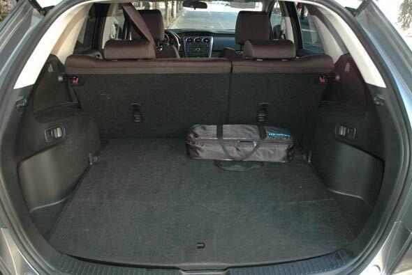 El espacio de carga es suficiente para el equipaje de todos los ocupantes.
