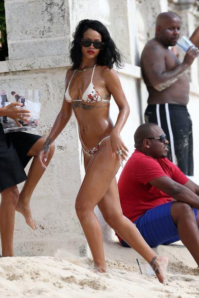 Este 2013 conocimos todo el inmenso repertorio de bikinis de Rihanna y f...