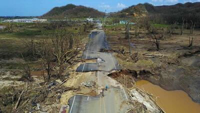 Fotografías comparadas: Puerto Rico tras el paso de María y seis meses después