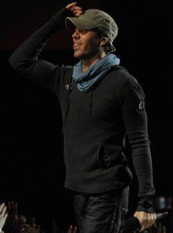 Enrique se despidió de sus fans hasta la próxima.