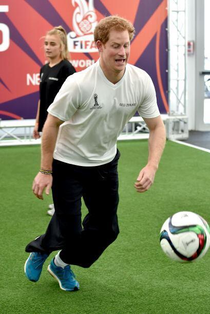 Era para promover una copa mundial de soccer que se hará pronto.