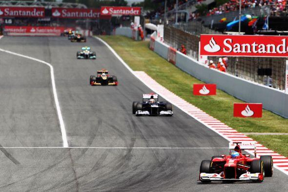 Sin embargo, por algunos momentos el español Fernando Alonso lideró la c...