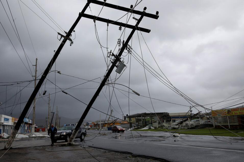 Puerto Rico quedó sin servicio eléctrico en el 100% de la...