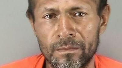Investigan cómo llegó el arma al mexicano acusado de matar a una joven e...