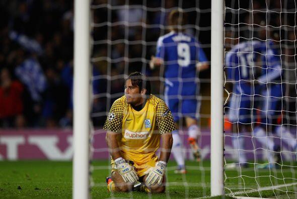 El portero del Racing sufrió un 5 a 0 que no se olvidará. Chelsea demost...