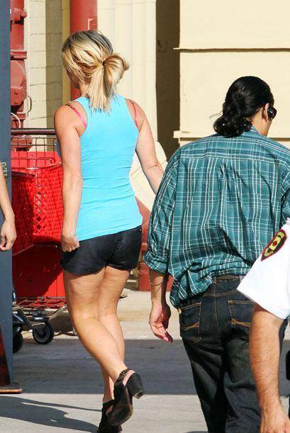 Cualquier mujer en su lugar no se atrevería a salir a la calle sin jeans.
