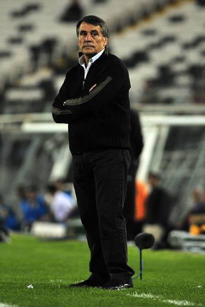 En la cuerda floja quedó el técnico de Colo Colo, el argentino Hugo Toca...