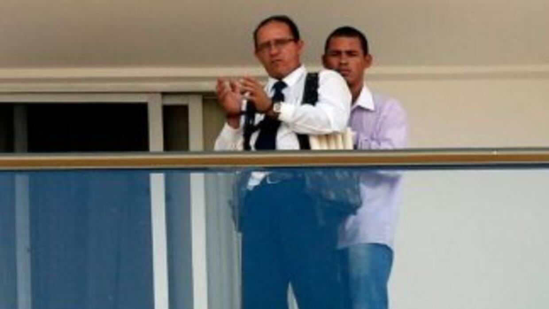 Foto del hombre armado que tomó al empleado como rehén en Brasil. Foto t...
