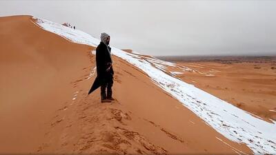 Un desierto con nieve: el día en que hizo tanto frío que nevó en el Sahara (fotos)