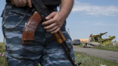 Rebeldes en poder de MH17 ceden ante presión internacional