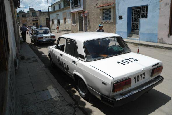 Los agentes de la seguridad cubana  bloquean las calles