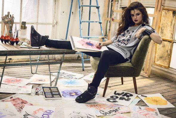 Selena Gómez, la 'it girl' de Adidas bfdf6bab50f04ae69c5c41bac23b6127.jpg