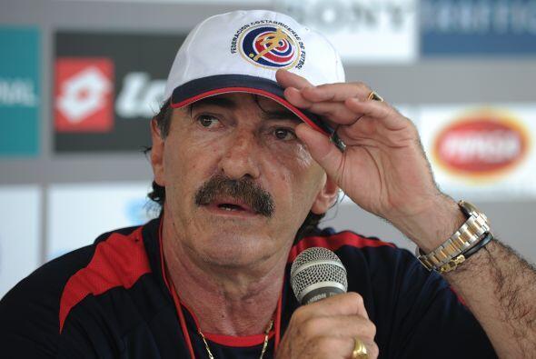 Ricardo La Volpe llegó a Costa Rica para imponer su forma de jugar, camb...