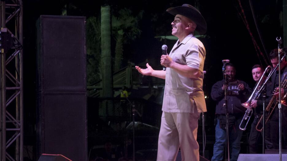 El toque final a la gran feria de Fresno con musica en Español.