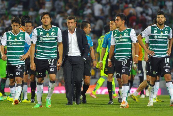 Santosviene de disputar dos torneos en el semestre tras su paso por la...