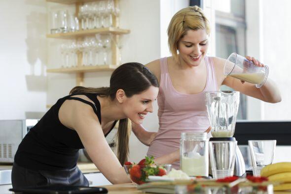 ¿Cómo consumirlas? Puedes incluir la leches vegetal en tus...