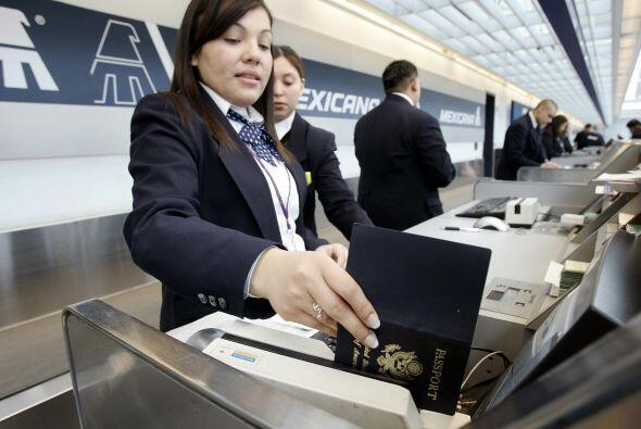7 RUTAS- De las 42 rutas a las que Mexicana se dirigía, por el momento s...