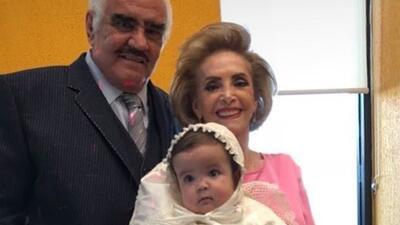 Así celebró Vicente Fernández (de fiesta) el bautizo de su primera bisnieta