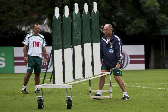Felipe Scolari no pierde el tiempo, el hombre hace todo en el Palmeiras,...