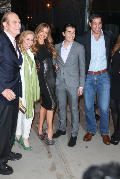 Una noche familiar en el cine. Trailers, fotos y más noticias del cine a...