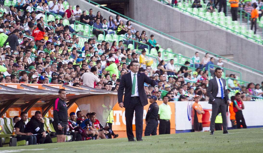 Santos gana a Querétaro y sueña con calificar Jose Manuel de la Torres D...