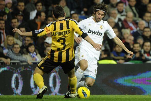 Real Madrid, líder, recibió la visita del último de la tabla, el Zaragoza.