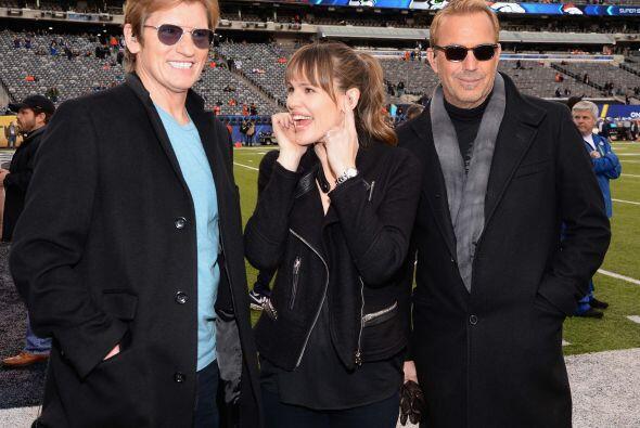 Dennis Leary, Jennifer Garner y Kevin Costner.