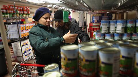 Los cupones permitieron una reducción de la pobreza de un 17.6% entre hi...