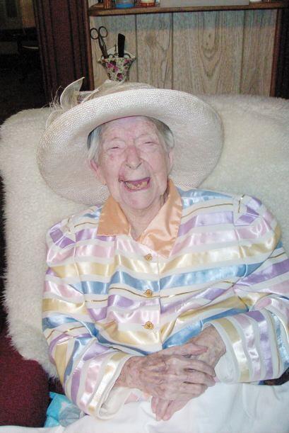 La estadounidense Eunice Sanborn se convirtió en la mujer más anciana de...