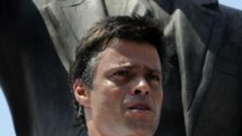 Cientos de simpatizantes de Leopoldo López se dieron cita afuera del Pal...