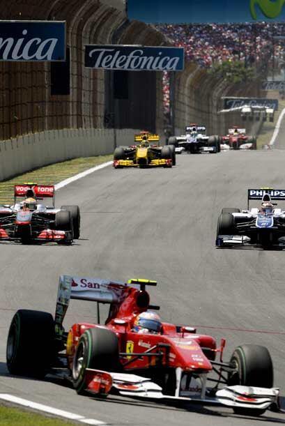Vettel ganó el GP de Brasil 2010 c5aaf535744340c38c6797271a11dde1.jpg