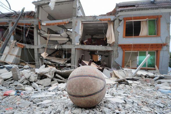 La Fundación Yao nació en junio del 2008 como respuesta ante el devastad...