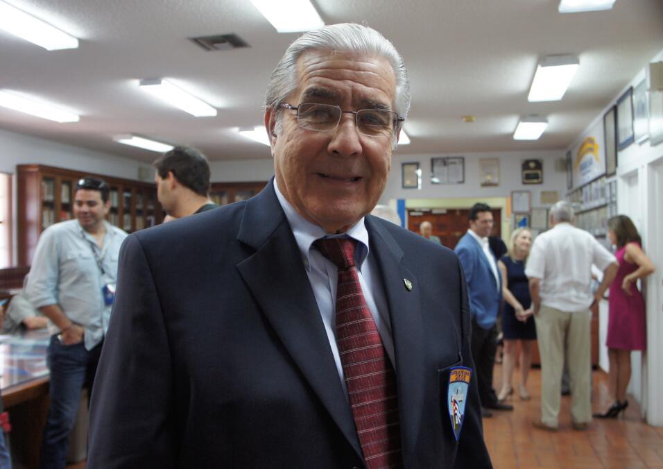 Humberto Díaz, de 74 años, es el presidente de la asociación de veterano...
