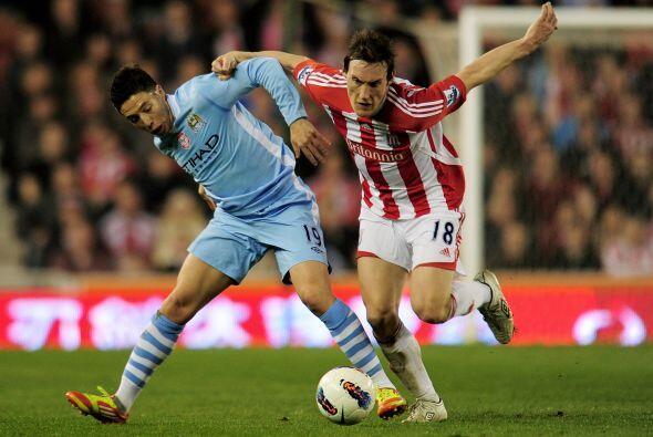 Manchester City dejó pasar una buena chance de sumar al empatar con el S...