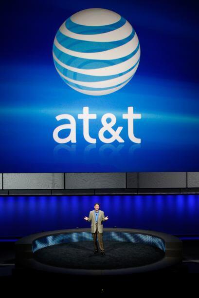 AT&T- El operador telefónico reportó un beneficio neto de $3,590 millone...