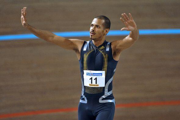 El dominicano Félix Sánchez en los 400 m con vallas.