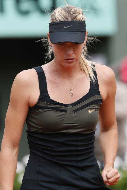 Sharapova mostró la calma que le ha sido elusiva en momentos de s...