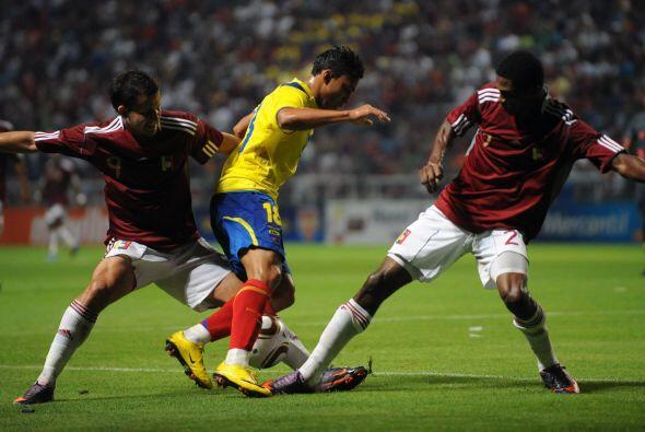 El encuentro se jugó en el  Estadio Metropolitano de Barquisimeto frente...