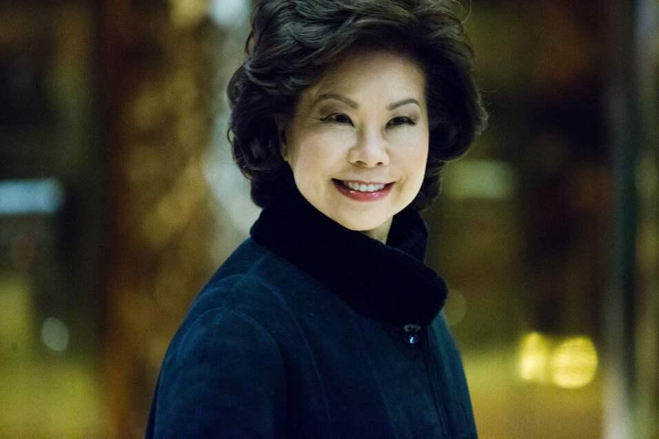 Elaine Chao será secretaria de Transporte del gobierno de Donald Trump.
