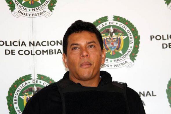 5 de julio: Fue capturado en Colombia por agentes de la Policía y...