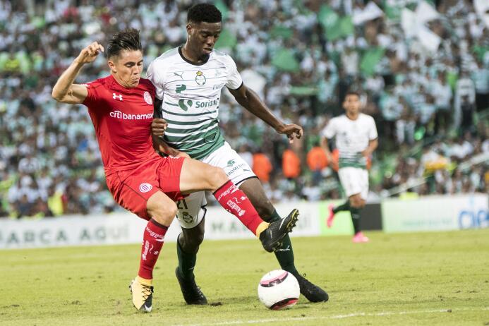 Santos 0-0 Toluca en la Comarca Lagunera 20170910_1591.jpg