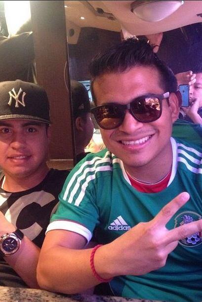 Chris Oronia Recoditos  Qué mejor manera de expresar el amor por México...